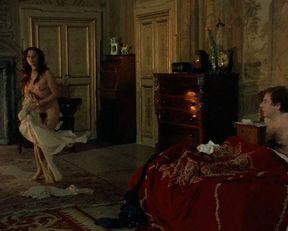 Antonella Antinori nude – Burial Ground (1981)