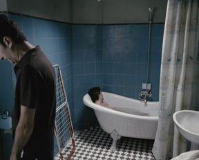 Dana Voicu nude – Buna! Ce faci (2010)