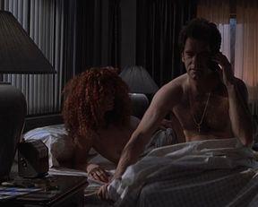 Maria Bello nude, Amanda Kravat nude – Duets (2000)