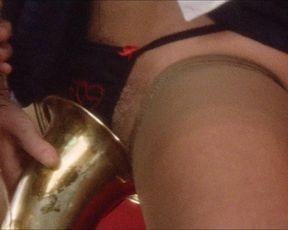 Blanca Marsillach nude, Corinne Clery nude, Eulalia Ramon nude – Il miele del diavolo (1986)