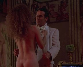 Nancy Travis nude – Married to the Mob (1988)