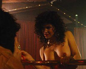 Paula Trickey naked – Maniac Cop 2 (1990)