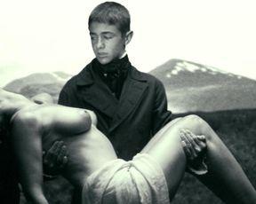 Monica Bellucci nude – Malena (2000)