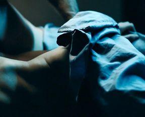 Diane Kruger nude – Inhale (2010)