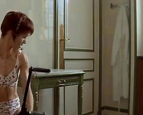 Anne Parillaud nude – Nikita (1990)
