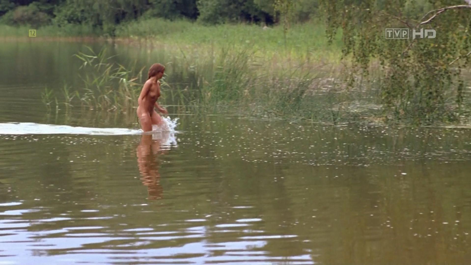Scorupco  nackt Izabella Bond Girls