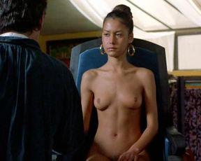 Sofie Grabol, Valeri Glandut, Fanny Bastien nude – Oviri (1986)