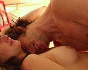 Shailene Woodley nude – White Bird In A Blizzard (2014)