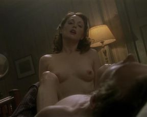 Julianne Moore nude – The End of the Affair (1999)