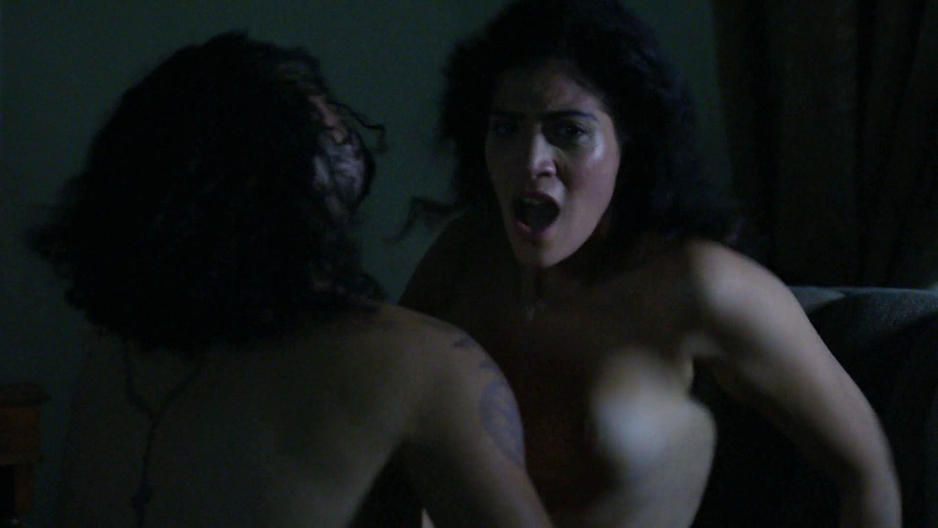 Laura nackt Gómez Selena Gomez